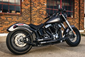 ESCAPES CUSTOM CRUSHER MAVERICK 2-2 HARLEY SOFTAIL
